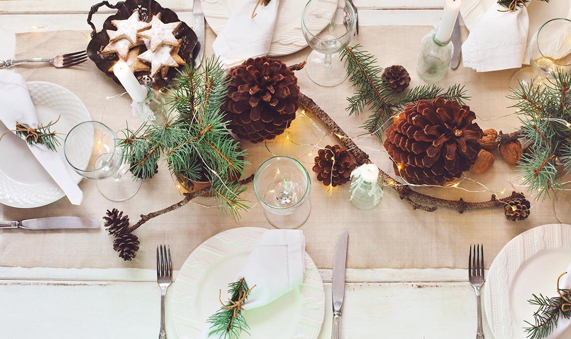 allestimento tavola dicembre natale
